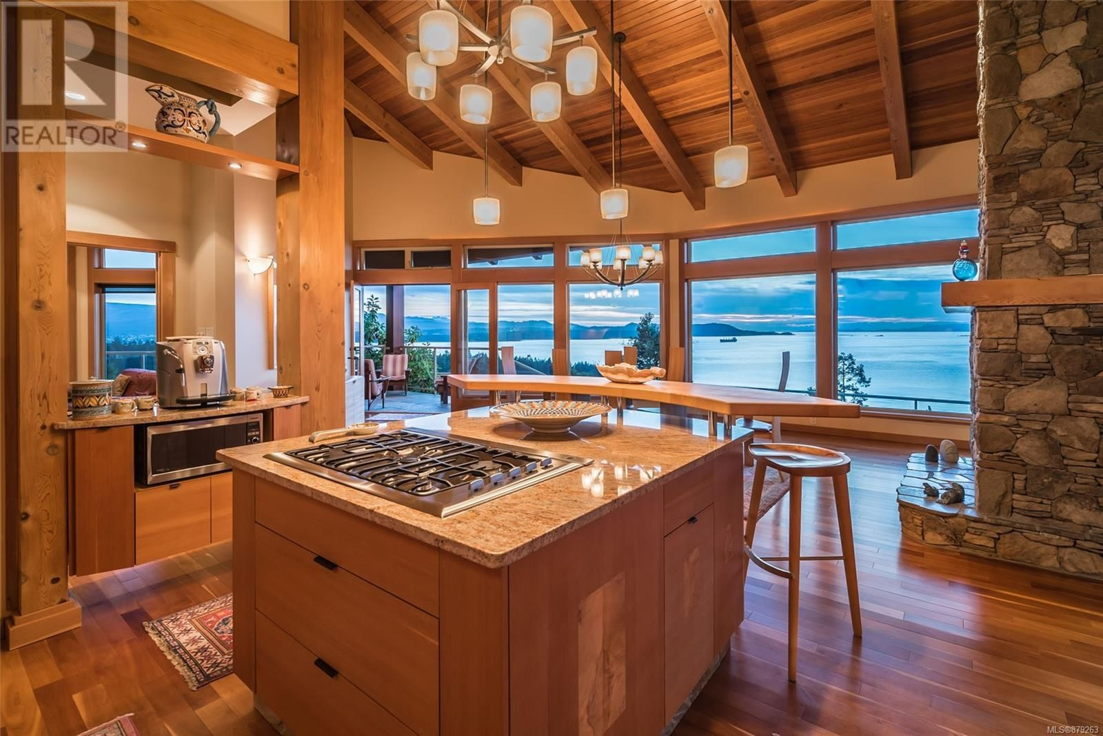 Photo 21: Photos: 825 Duthie Ave in Gabriola Island: House for sale : MLS®# 879263