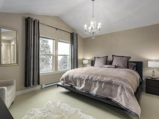 "Photo 16: 229 E QUEENS Road in North Vancouver: Upper Lonsdale Townhouse for sale in ""QUEENS COURT"" : MLS®# R2362718"