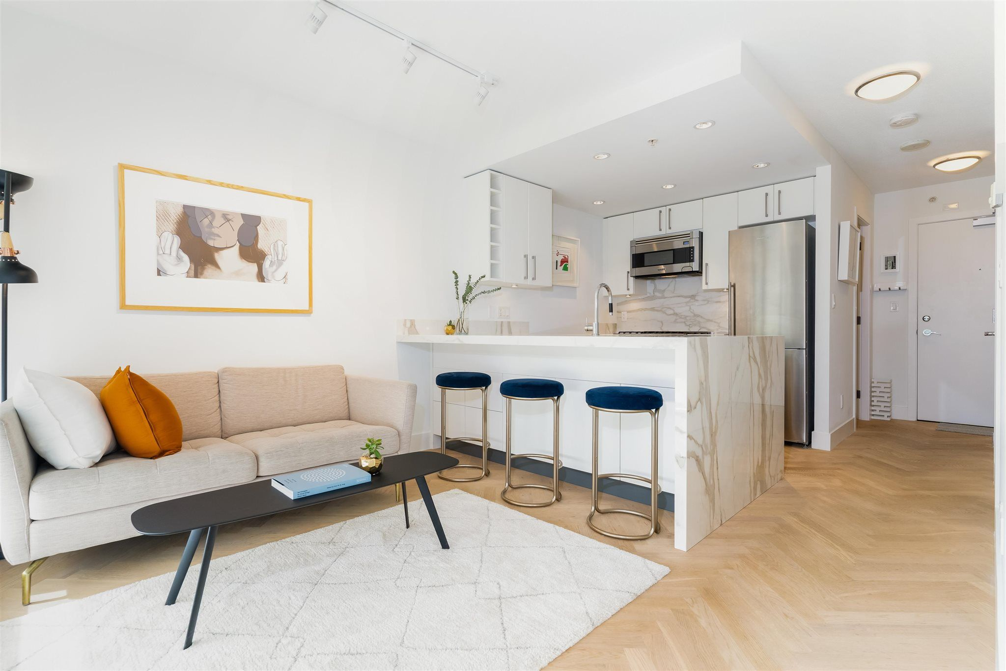 """Main Photo: 501 1708 COLUMBIA Street in Vancouver: False Creek Condo for sale in """"WALL CENTRE FALSE CREEK"""" (Vancouver West)  : MLS®# R2603692"""