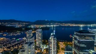 """Photo 1: 4301 1189 MELVILLE Street in Vancouver: Coal Harbour Condo for sale in """"The Melville"""" (Vancouver West)  : MLS®# R2512418"""