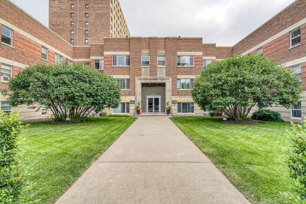 Main Photo: 26 330 19 Avenue SW in Calgary: Mission Apartment for sale : MLS®# A1132152