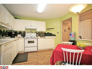 """Photo 6: 210 20189 54TH Avenue in Langley: Langley City Condo for sale in """"Catalina Gardens"""" : MLS®# F1127563"""