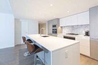 Photo 1: 1304 1111 RICHARDS Street in Vancouver: Yaletown Condo for sale (Vancouver West)  : MLS®# R2625430