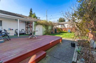 """Photo 16: 2615 E 56TH Avenue in Vancouver: Fraserview VE House for sale in """"FRASERVIEW"""" (Vancouver East)  : MLS®# R2561413"""