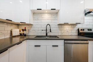 """Photo 2: 106 327 NINTH Street in New Westminster: Uptown NW Condo for sale in """"Kennedy Manor"""" : MLS®# R2621900"""