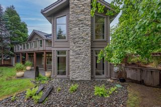 Photo 3: 1987 Fairway Dr in : CR Campbell River West House for sale (Campbell River)  : MLS®# 878401