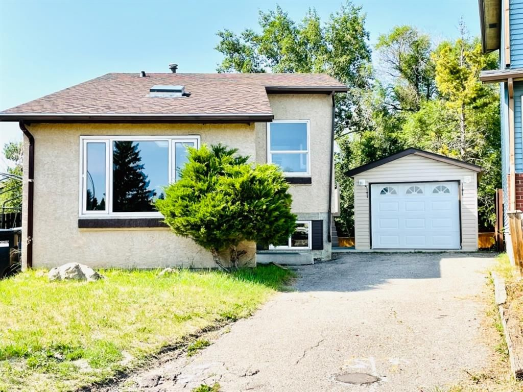 Main Photo: 363 Whitlock Way NE in Calgary: Whitehorn Detached for sale : MLS®# A1130398