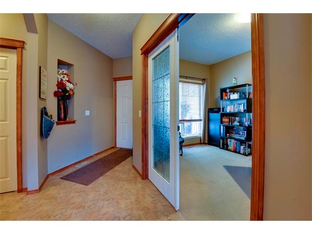 Photo 10: Photos: 21 MORNINGSIDE Bay SW: Airdrie House for sale : MLS®# C4011063