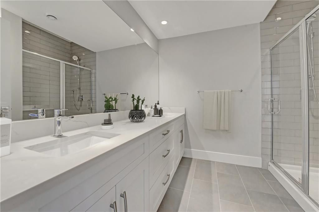 Photo 35: Photos: 24 LORNE Place SW in Calgary: North Glenmore Park Detached for sale : MLS®# C4225479
