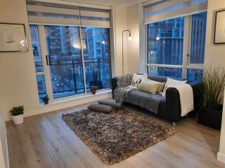 """Photo 3: 617 1082 SEYMOUR Street in Vancouver: Downtown VW Condo for sale in """"Freesia"""" (Vancouver West)  : MLS®# R2533944"""