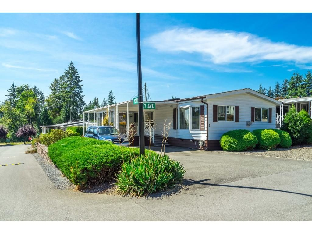 """Main Photo: 1 27111 0 Avenue in Langley: Aldergrove Langley Manufactured Home for sale in """"Pioneer Park"""" : MLS®# R2605762"""