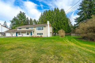 """Photo 3: 4748 238 Street in Langley: Salmon River House for sale in """"Strawberry Hills"""" : MLS®# R2549146"""