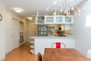Photo 4: PH2 5723 BALSAM Street in Vancouver: Kerrisdale Condo for sale (Vancouver West)  : MLS®# R2378875