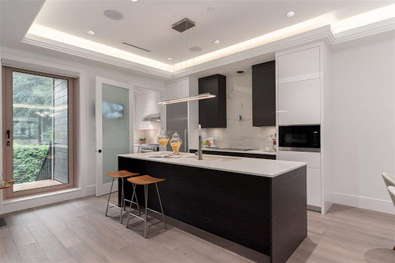 Photo 6: Photos: 3420 W 43RD Avenue in Vancouver: Dunbar 1/2 Duplex for sale (Vancouver West)  : MLS®# R2477291