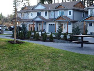 Photo 9: 40 2109 13th St in COURTENAY: CV Courtenay City Row/Townhouse for sale (Comox Valley)  : MLS®# 831807