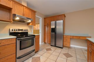 Photo 7: 2384 Fleetwood Crt in : La Florence Lake House for sale (Langford)  : MLS®# 860735