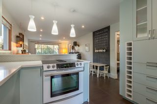 Photo 10: 1834 NAPIER Street in Vancouver: Grandview VE House for sale (Vancouver East)  : MLS®# R2111926