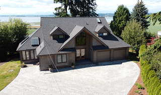 """Photo 2: 13115 CRESCENT Road in Surrey: Elgin Chantrell House for sale in """"Crescent Beach"""" (South Surrey White Rock)  : MLS®# R2478141"""