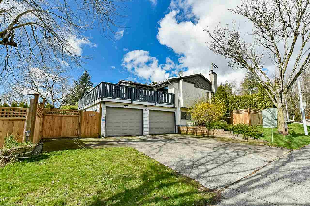 Main Photo: 19370 64 Avenue in Surrey: Clayton House for sale (Cloverdale)  : MLS®# R2563734