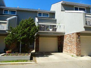 Photo 1: 3028 108 Street in Edmonton: Zone 16 Townhouse for sale : MLS®# E4247142