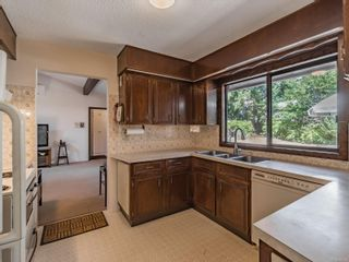 Photo 11: 2704 Lintlaw Rd in : Na Diver Lake House for sale (Nanaimo)  : MLS®# 884486