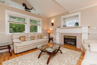 Photo 4: 2219 Highland Rd in View Royal: VR Prior Lake House for sale : MLS®# 746525