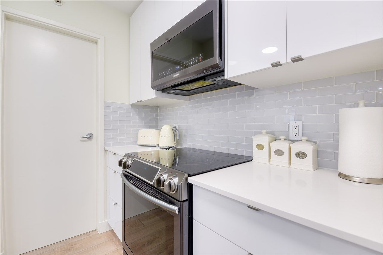 """Photo 11: Photos: 507 124 W 1ST Street in North Vancouver: Lower Lonsdale Condo for sale in """"THE """"Q"""""""" : MLS®# R2509553"""