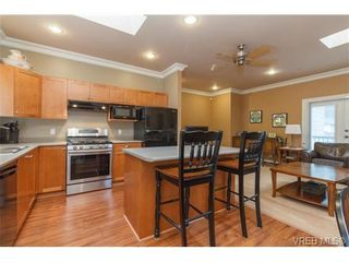 Photo 9: 3610 Pondside Terr in VICTORIA: Co Latoria House for sale (Colwood)  : MLS®# 720994