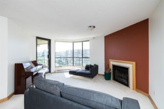 """Photo 2: 606 1450 PENNYFARTHING Drive in Vancouver: False Creek Condo for sale in """"HARBOUR COVE"""" (Vancouver West)  : MLS®# R2279058"""