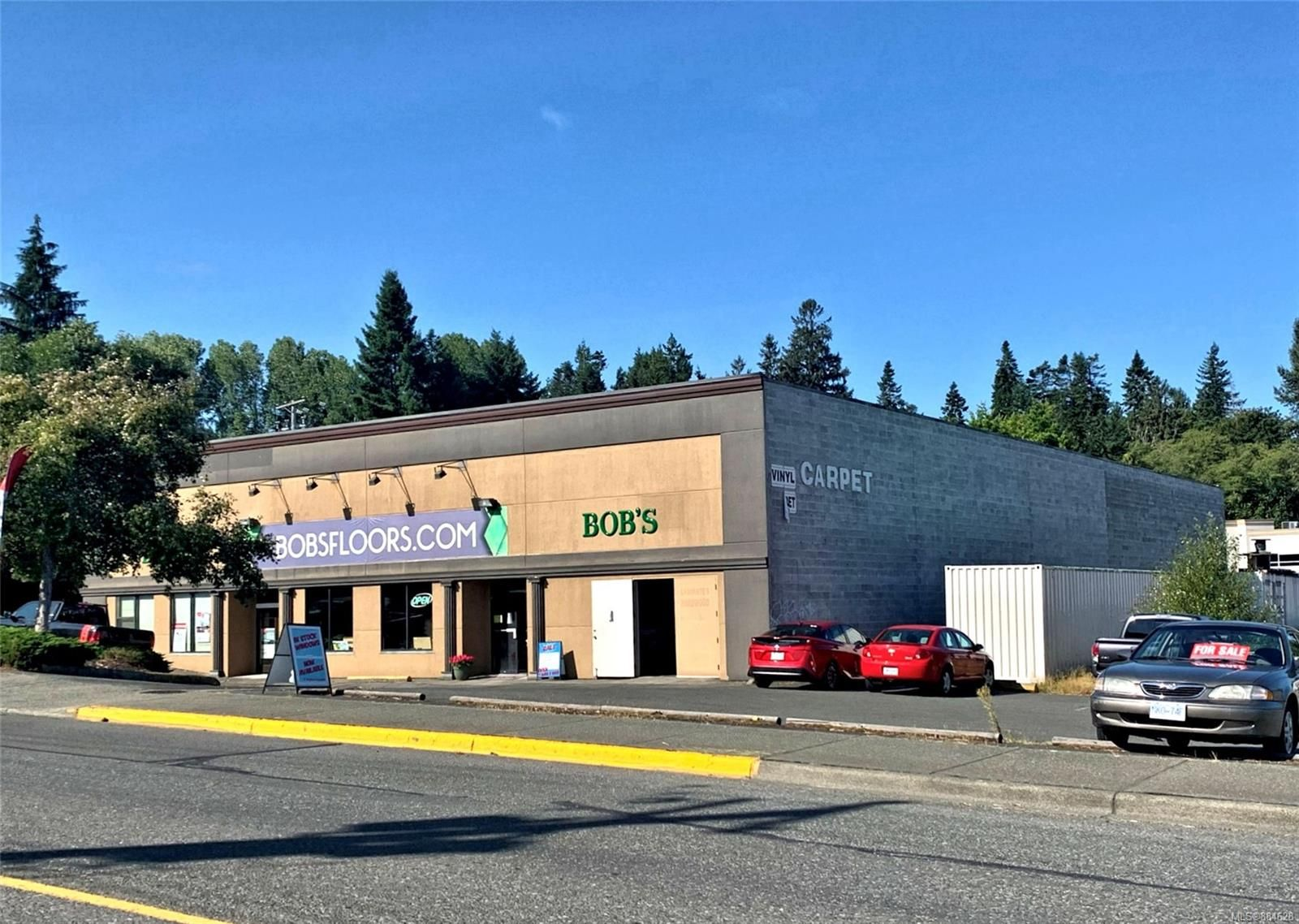 Main Photo: 904 Ironwood St in : CR Campbell River Central Mixed Use for sale (Campbell River)  : MLS®# 884628