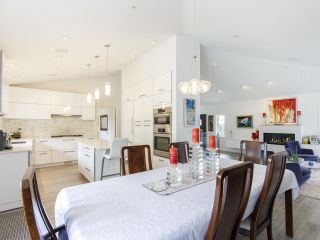 """Photo 11: 587 W KING EDWARD Avenue in Vancouver: Cambie Townhouse for sale in """"JAMES RESIDENCE"""" (Vancouver West)  : MLS®# R2537952"""