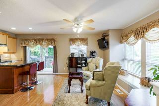 Photo 2: 64 16388 85 AVENUE in Surrey: Fleetwood Tynehead Townhouse for sale : MLS®# R2486322