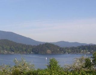 Photo 2: 638 N FLETCHER Road in Gibsons: Gibsons & Area House for sale (Sunshine Coast)  : MLS®# V739090