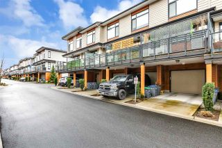 """Photo 5: 11 16488 64 Avenue in Surrey: Cloverdale BC Townhouse for sale in """"Harvest at Bose Farm"""" (Cloverdale)  : MLS®# R2553677"""