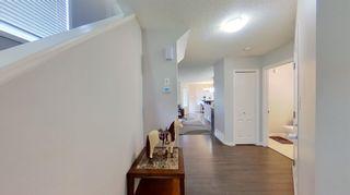 Photo 3: 2934 16A Avenue in Edmonton: Zone 30 House Half Duplex for sale : MLS®# E4246925