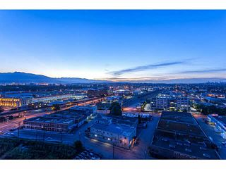 """Photo 2: 2107 1618 QUEBEC Street in Vancouver: Mount Pleasant VE Condo for sale in """"CENTRAL"""" (Vancouver East)  : MLS®# V1142760"""