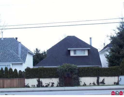 Main Photo: 7301 PARKWOOD Drive in Surrey: West Newton House for sale : MLS®# F2705782
