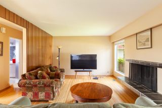 Photo 4: 808 E 4TH Street in North Vancouver: Queensbury House for sale : MLS®# R2589883