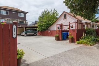 Photo 3: 106 119 Ladysmith St in Victoria: Vi James Bay Row/Townhouse for sale : MLS®# 841373
