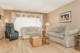 Photo 5: 3 SPRINGWOOD Bay in Steinbach: Southland Estates Residential for sale (R16)  : MLS®# 202115882