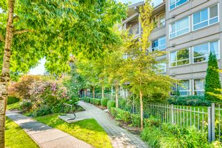 Photo 1: 313 3132 DAYANEE SPRINGS Boulevard in Coquitlam: Westwood Plateau Condo for sale : MLS®# R2608945