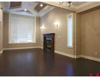 """Photo 3: 7975 170A Street in Surrey: Fleetwood Tynehead House for sale in """"None"""" : MLS®# F2704276"""