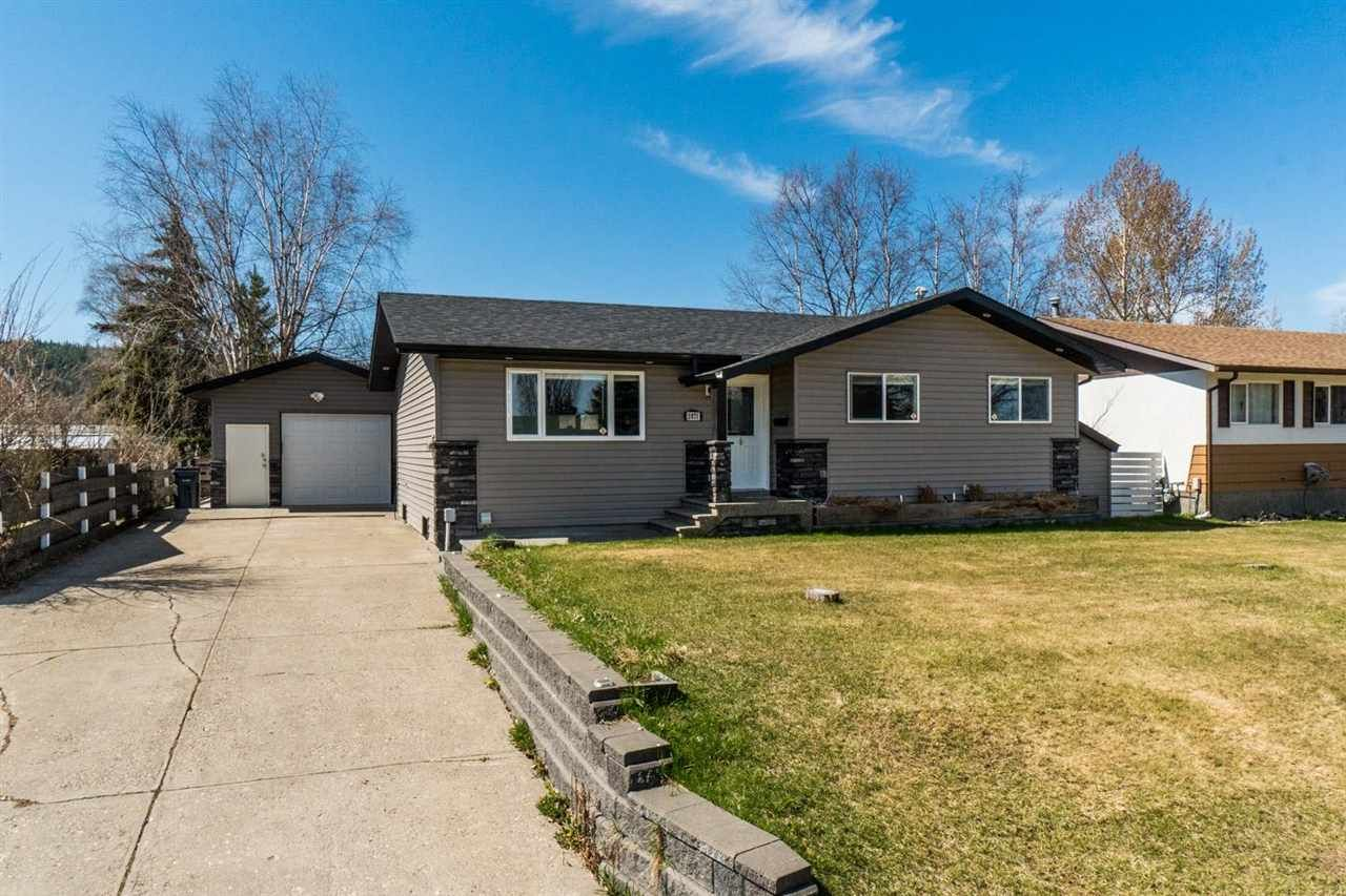 Main Photo: 2871 ALEXANDER Crescent in Prince George: Westwood House for sale (PG City West (Zone 71))  : MLS®# R2572229
