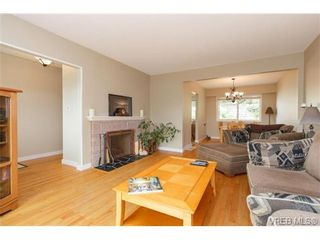 Photo 6: 930 Easter Rd in VICTORIA: SE Quadra House for sale (Saanich East)  : MLS®# 706890