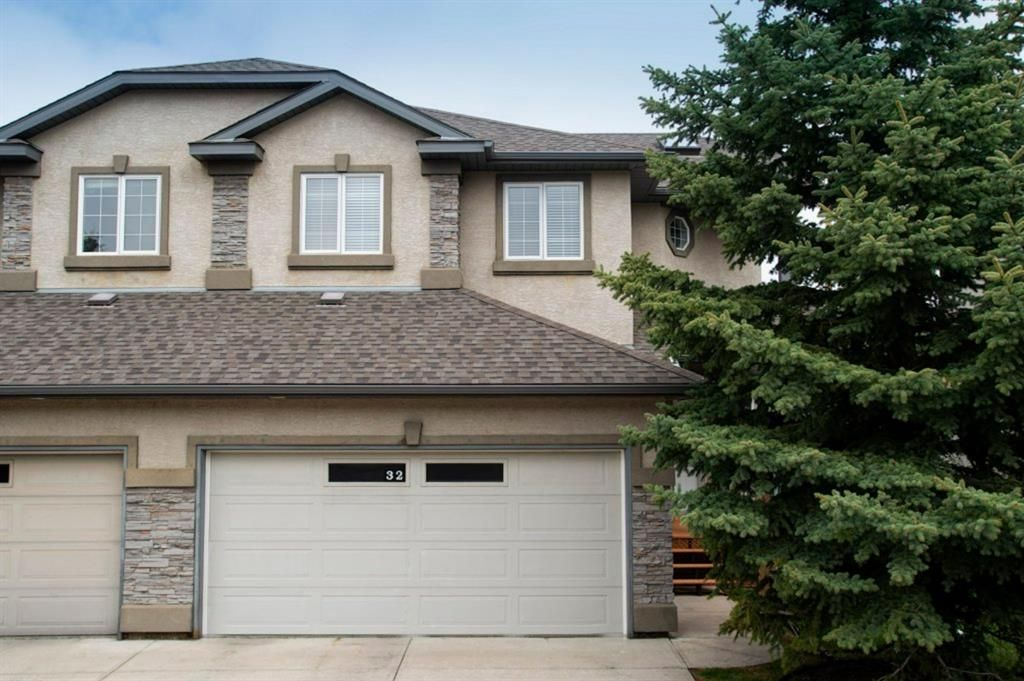 Photo 1: Photos: 32 Prominence Park SW in Calgary: Patterson Row/Townhouse for sale : MLS®# A1112438