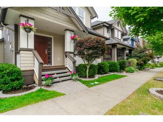 "Photo 2: 19074 69A Avenue in Surrey: Clayton House for sale in ""CLAYTON"" (Cloverdale)  : MLS®# R2187563"