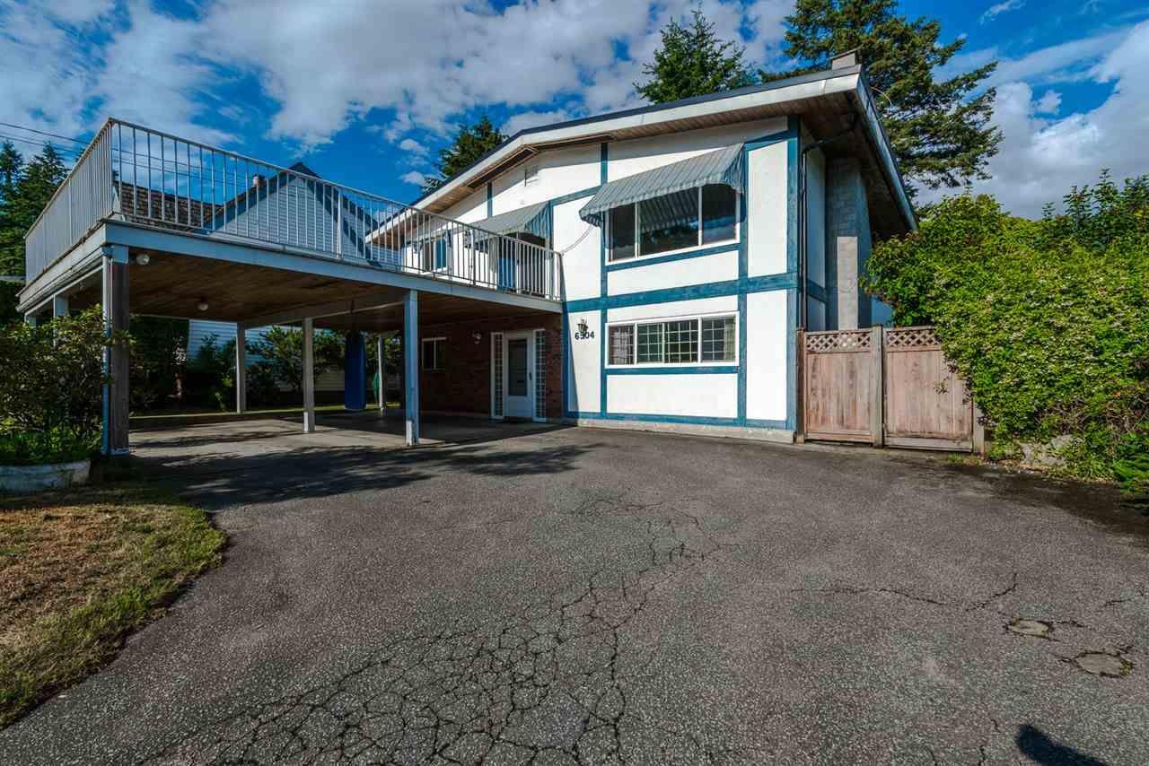 """Main Photo: 6504 LYON Road in Delta: Sunshine Hills Woods House for sale in """"SUNSHINE HILLS"""" (N. Delta)  : MLS®# R2078221"""