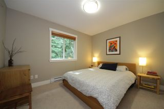 """Photo 11: 39055 KINGFISHER Road in Squamish: Brennan Center House for sale in """"The Maples at Fintrey Park"""" : MLS®# R2090192"""