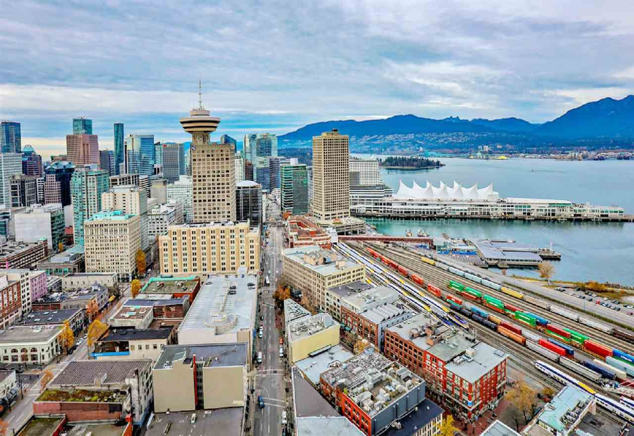 """Photo 18: Photos: 2404 108 W CORDOVA Street in Vancouver: Downtown VW Condo for sale in """"Woodwards"""" (Vancouver West)  : MLS®# R2419147"""