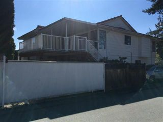 Photo 2: 15635 98 Avenue in North Surrey: Guildford House for sale : MLS®# R2362418